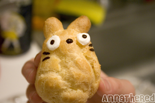 How to make Totoro cream puffs by AnnaTheRed.