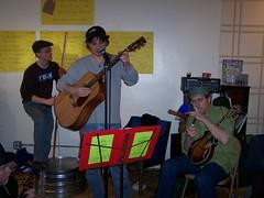 2009-04-11 Jug band Seder 033