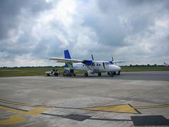 Twin Otter (Sobk) Tags: travel plane trek airport adventure sarawak malaysia borneo propeller runway twinotter worldchallenge maswings dhc300