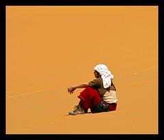 (817) Meditate in the desert Sahara (unicorn 81) Tags: voyage africa travel people woman color sahara trekking dessert colorful northafrica natur relaxing egypt adventure egyptian shooting egipto 2009 ägypten egitto excursion egypte wüste reise egypten rundreise roundtrip egipt égypte shootingpeople mapegypt jeepsafari blackdesert misr nordafrika egypttrip april2009 ægypten deserttour aegyptus αίγυπτοσ ægyptusintertravel ägyptenreise schulzaktivreisen wüstenreise meinjahr2009