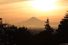 Sunrise over Mt. Hood (Dave In Oregon) Tags: oregon sunrise hopewell mounthood