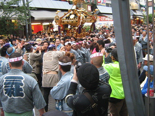 Light blue team and their mikoshi 2