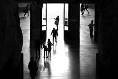 Please Send Me Someone to Love (Donato Buccella / sibemolle) Tags: street people blackandwhite bw italy milan backlight dark milano streetphotography stazionecentrale canon400d gentechevienegentecheva sibemolle partenzaarrivi comedelleformichineincerca odiocarrambachesorpresa maancheretequattro