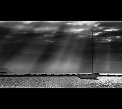 moored (Daniel Murray (southnz)) Tags: ocean sunset sea newzealand bw sun white black beach water landscape golden bay boat scenery ray moody yacht tata atmosphere nz southisland moor atmospheric ligar southnz
