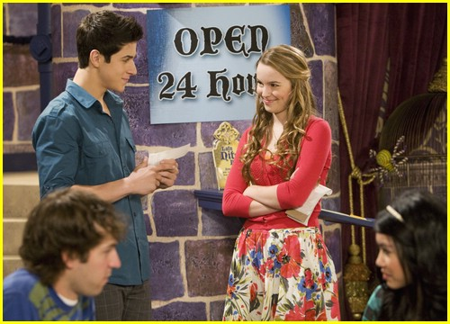 david-henrie-bridgit-mendler-love-first-bite-07