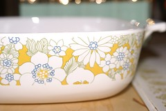 Corningware Floral Bouquet Pattern - Detail (Mike Leavenworth) Tags: bowl casserole pyrex corningware floralbouquet 1qt