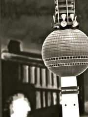 Bild und Modell (web.werkraum) Tags: blackandwhite berlin art museum germany deutschland artist skulptur exhibition fernsehturm bild schwarzweiss 2009 mrz association ausstellung architekturmodell blickwinkel berlinischegalerie berlinische hdicke berlinerlandschaft berlinerknstlerin khhdicke webwerkraum karinsakrowski berlinischegaleriefrmodernekunst berlinischegalerielandesmuseumfrmodernekunstfotografieundarchitektur bildskulptur berlinlandschaftmitfernsehturm