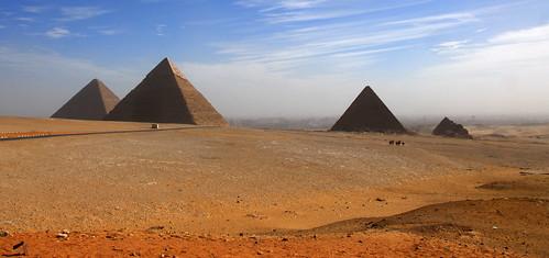 LND_2528 Giza Pyramids