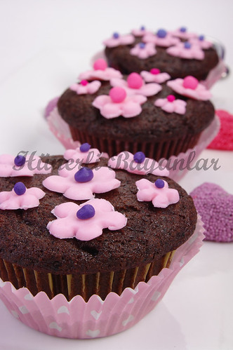 Kuru Meyveli Kakaolu Muffin