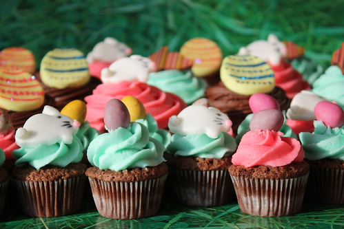 Easter Cupcakes & Minis