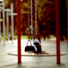 Parked swings (khai_nomore) Tags: 120 film mediumformat negative scanned kualalumpur klcc morningwalk rm wideopen kiev88cm 2400dpi bokehlicious kodakektacolorpro160 canonscan8400f autaut thepetronastwintowers carlzeissjenasonnar180mmf28