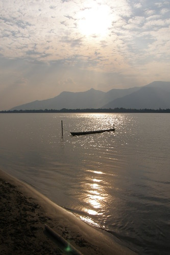150.Don Daeng島上湄公河的日落 (3)_日落與扁舟