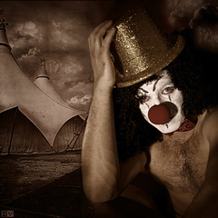 CLOWN (OLPHO-) Tags: man male canon nose arte circo clown nudeart payaso hombre imagemanipulations procesado photoshoper rodolfovelasco artisval rollcreativo artistiquemasculin