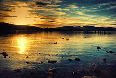 Evenfall (KY-Photography) Tags: uk blue trees light sunset shadow red sky orange sun mountain lake ontario canada reflection nature silhouette yellow night clouds landscape boats golden evening scotland nikon rocks glasgow