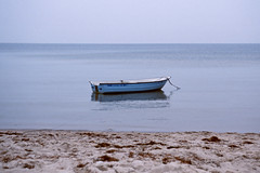 Boot auf der Ostsee (Michael Westdickenberg) Tags: autumn beach strand analog germany deutschland boot boat sand herbst balticsea hellblau ostsee horizont lightblue mecklenburgvorpommern lubmin