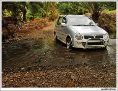 Telupid - Perodua Kancil Offroad? (sam4605) Tags: water car river stream offroad samsung malaysia sabah perodua kereta sungai kancil s760 sabahborneo telupid sam4605 kopuron