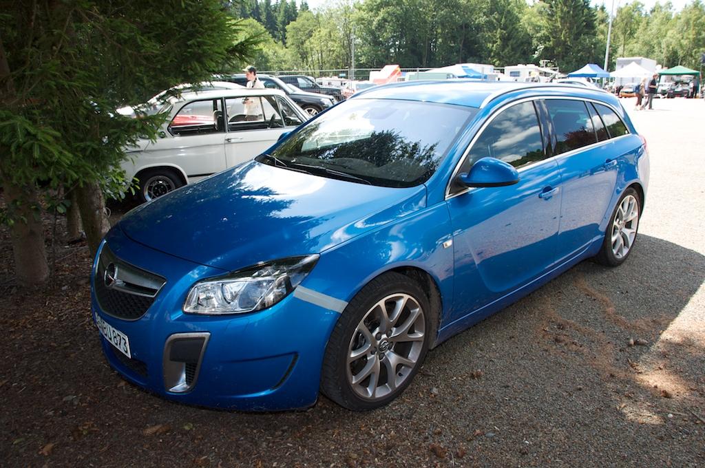 Opel Insignia OPC: strastvena vožnja začinjena vrhunskom tehnologijom