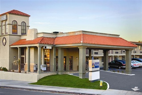 Welcome to the Best Western Desert Villa Inn - Barstow, Ca.