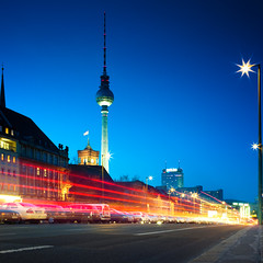Traffic (96dpi) Tags: longexposure berlin 35mm square traffic fernsehturm rotesrathaus bluehour mitte verkehr parkinn quadrat blauestunde mhlendamm ef35mmf14lusm