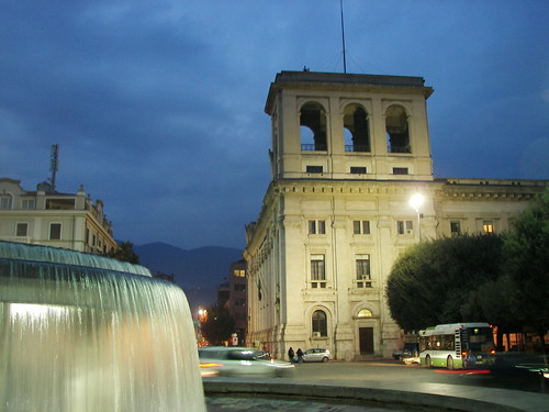 Palazzo Bazzani e fontana di Piazza Taci by silgeo, on Flickr