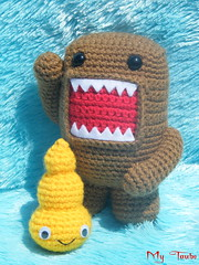 Domokun & Yellow Poo are good friends (Weich Taube *Give me a Cookie!*) Tags: cute yellow poo domokun amigurumi happypoo