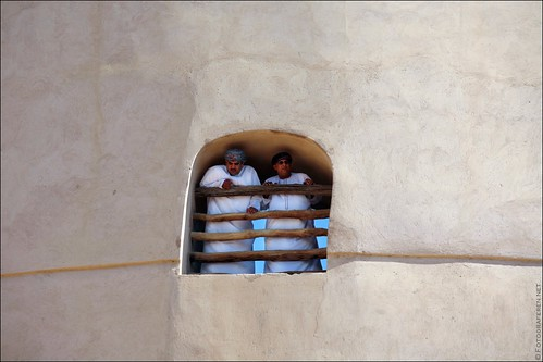 Two Omani at the Niswa Fortress.