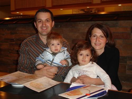Radu şi Luminiţa Dan cu copiii