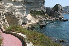 The pink footpath to the beach (Umberto Luparelli) Tags: sea summer corsica cliffs falaises bonifacio saintroch bonifaziu vosplusbellesphotos suttarocca
