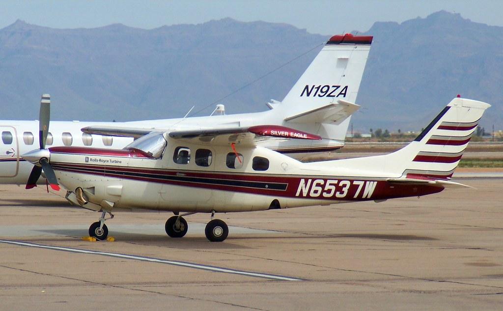 Cessna P210N Silver Eagle N6537W