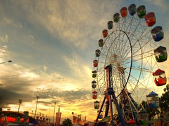 ....life is like a wheel (Asti21) Tags: carnival sunset wheel fun sydney olympus hdr eastershow sydneyroyaleastershow e510 asti21
