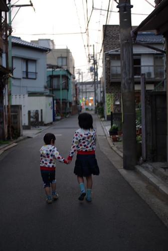 姉妹 / Sisters