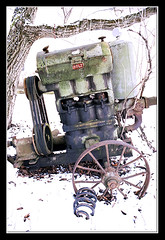 winter snow tree wheel spring decay pump forgotten cylinder coilspring spokewheel vbelt dieterdrescher motorpump hölz