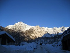 IMG_0971 (nuthinking) Tags: mountain snow courmayeur