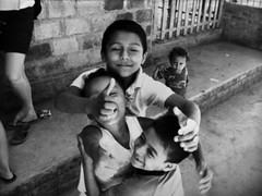 Quartet (kevinjessicaparker) Tags: friends bw playing children sanjuan grenada leon nicaragua managua thumbs ometepe quartet sanjorge dawsoncollege cincopinos fincabonafide northsouthstudies