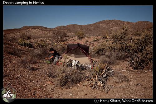 Desert camping in Mexico por exposedplanet.