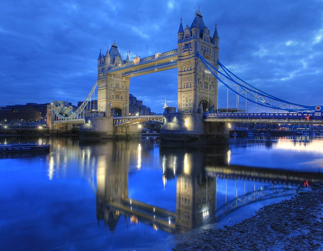 London Bridge (Tower Bridge) : Reflection on the River Thames