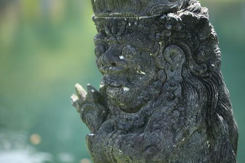 statue closeup- Sagriwa?