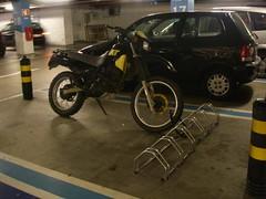 Mota no lugar das bicicletas, no Alegro
