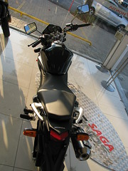 IMG_0358 (motosBrasil) Tags: preta cb 300r