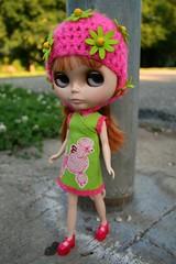 mina  adad  168/365 (cybermelli) Tags: pink green hat de la doll dress mary poodle boutique blythe mjs prima maryjanes dolly takara janes bambina rbl lupi carabina jemgirl primadolly aubrena