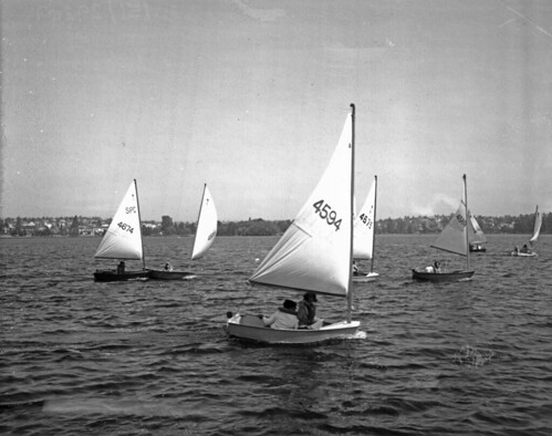 seattle boats sailing play lakes greenlake sailboats 1970s seattlemunicipalarchives