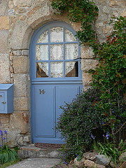 Saill-salt marshes -the blue door of a cottage (april-mo) Tags: brittany cottage bretagne tren tore lacecurtain saltmarshes paysdeloire loireatlantique saill cottagebluedoor portedecottage
