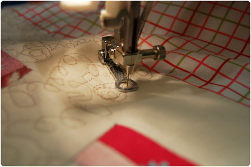 Machine quilting... (copyright Hanna Andersson)