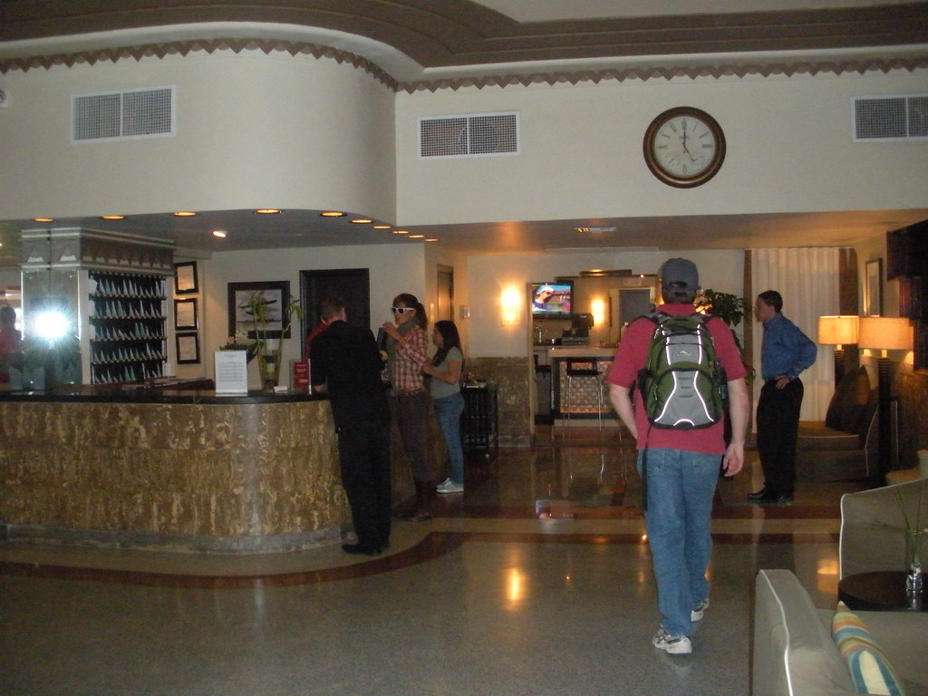 Essex House Hotel, Lobby counter