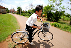 Time to go to School ( DocBudie) Tags: school boy bicycle cycling vietnamese ride vietnam juniorhighschool youngboy vitnam ridingbicycle vit gotoschool trnghc xep ihc cub ixe vietnameseteenage morningschool vitcub ixep ixep trngtrunghccs trnghcbuisng