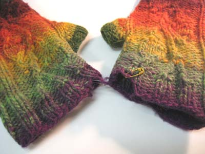 Unraveling mitts