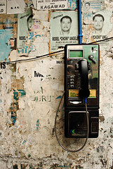 : telephono de masa (audiOscience!) Tags: street urban wall asia phone telephone grunge philippines dirty payphone posters manila photowalk southeast indios luzon pader nikond80 flickristasindios nikkor1855mmvr audioscience sangoyo christianlucassangoyo