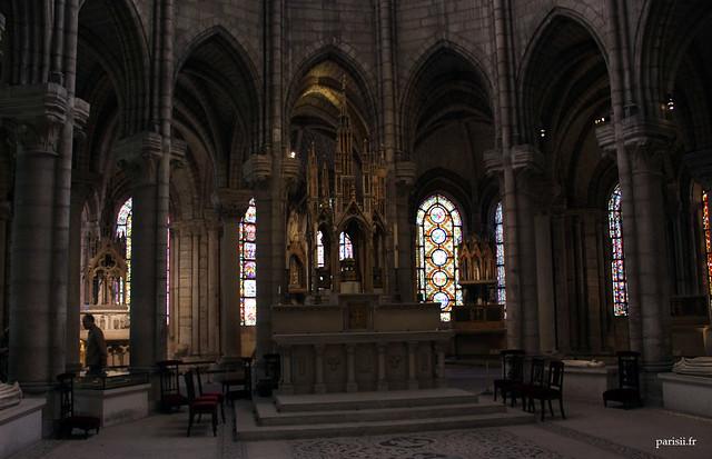 Chevet de labbé Suger : il était destiné à présenter les reliquaires des saints martyrs