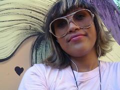 .quase que os cabelos se combinaram. ;)* (Petite Poupe7) Tags: haircut muro love me wall brasil riodejaneiro myself heart amor yo centro eu moi coeur amour corao moa newlook mur amore cabelos franjinha cedim pp7 frangine petitepoupe7 lowah zonaoculta cadaumacomsuapersonalidade chaquuneasoncaratre