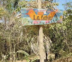 La Bahia sign
